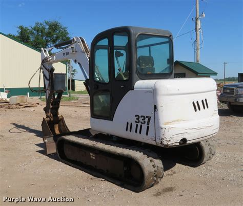 bobcat  mini excavator  lamont  item ej sold purple wave