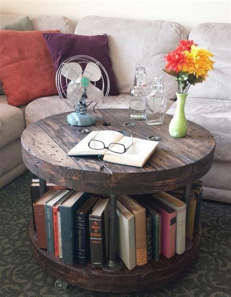 canap avec biblioth que int gr e la table en touret astuces et idées pour customiser la