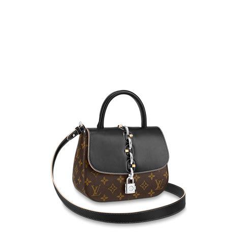 chain  bag pm monogram handbags louis vuitton