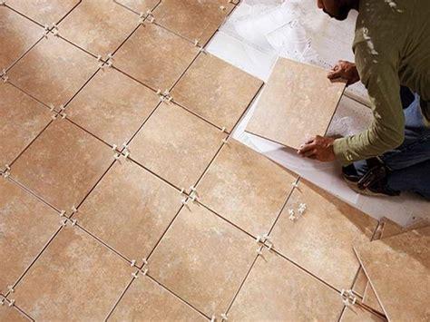 posare piastrelle pavimento come posare le piastrelle nel pavimento piastrelle