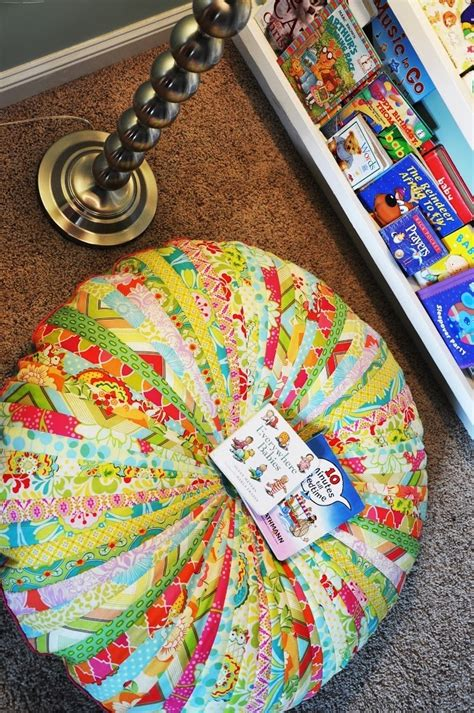 jammin jelly roll quilt floor cushion favequiltscom