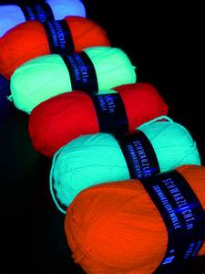 Neon Buchstaben Selber Machen : 6er pack 50g psywork schwarzlicht wolle neon gemischt ~ Michelbontemps.com Haus und Dekorationen