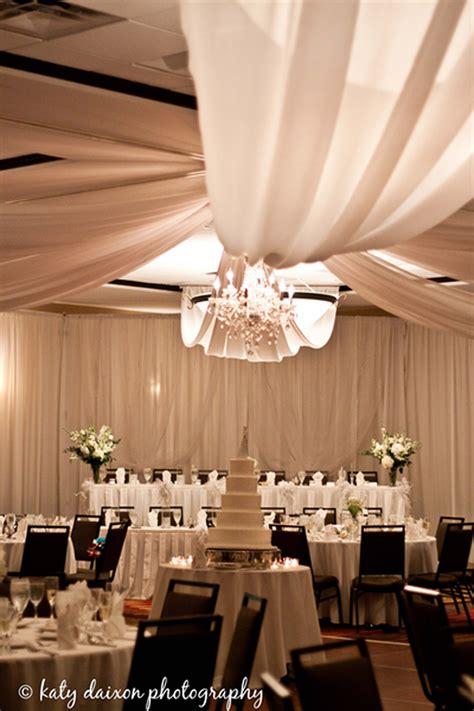 holiday inn chicago northwest elgin weddings  prices
