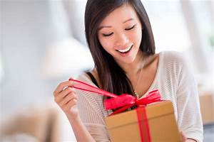 How to Give and Receive Gifts in English
