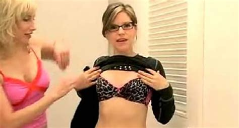 Lisa Loeb Lets Her Baby Quot Stay Quot