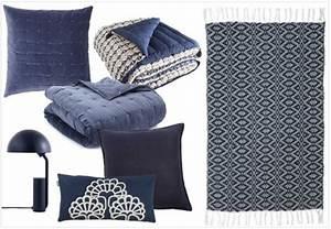 Coussin Bleu Marine : une touche de bleu marine dans la d co joli place ~ Teatrodelosmanantiales.com Idées de Décoration