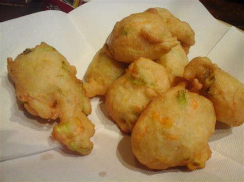 Frittelle Con Fiori Di Zucchina by Frittelle Di Fiori Di Zucchine La Cuoca Guidatora