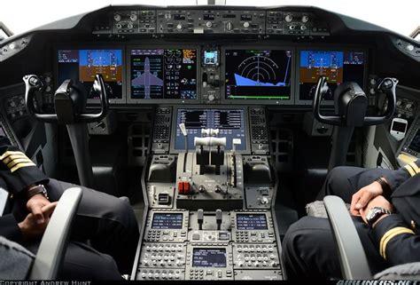 boeing   dreamliner aircraft flight deck controls
