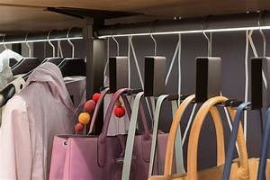 Taschen Platzsparend Aufbewahren : handtaschenhalter f r kleiderschr nke planungswelten ~ Watch28wear.com Haus und Dekorationen