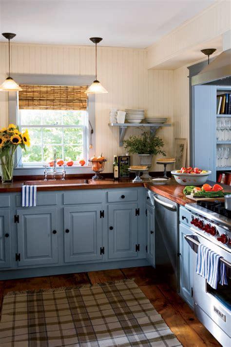 15+ Best Kitchen Color Ideas  Paint And Color Schemes For