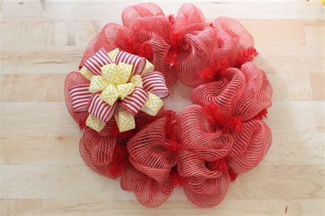 diy mesh wreath  bees    wreath depot