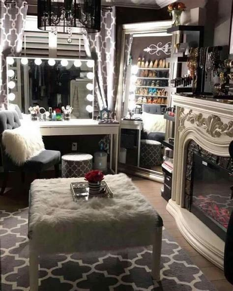 25 best ideas about closet vanity on makeup