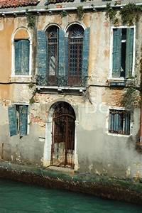 Haus Auf Dem Wasser : alte sch ne venedig haus auf dem wasser italien stockfoto colourbox ~ Markanthonyermac.com Haus und Dekorationen