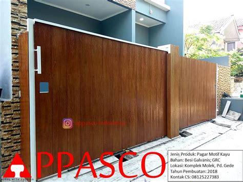 pagar minimalis klasik modern motif kayu coklat besi