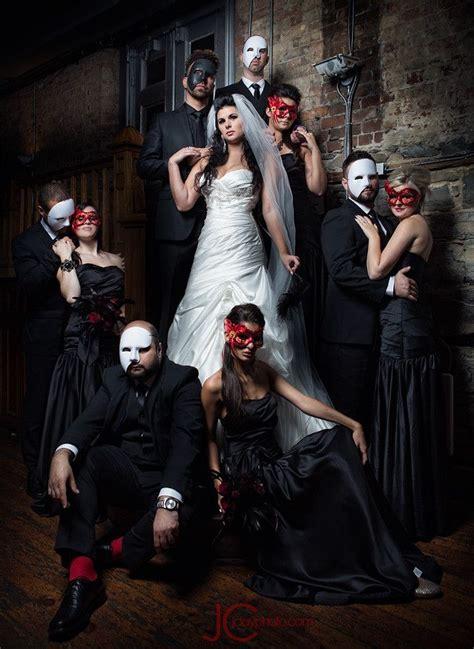55 Creative Wedding Entourage Photo Ideas Masquerades