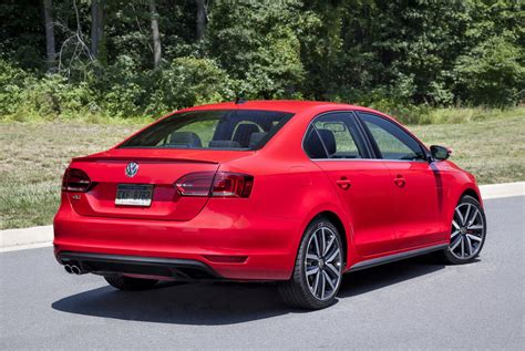 volkswagen gli 2016 vw jetta gli gets a subtle facelift retains golf gti