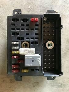 99 00 01 02 03 04 Pontiac Grand Am Alero Fuse Box Right