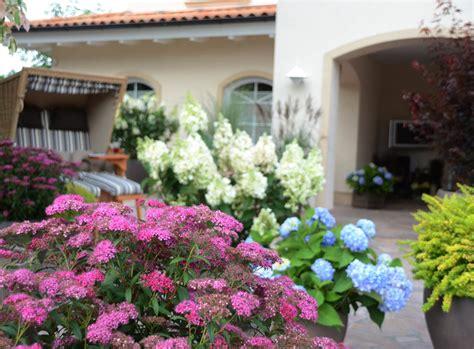 Schöne Kübelpflanzen Für Die Terrasse by Garten Und Terrasse Pflanzen