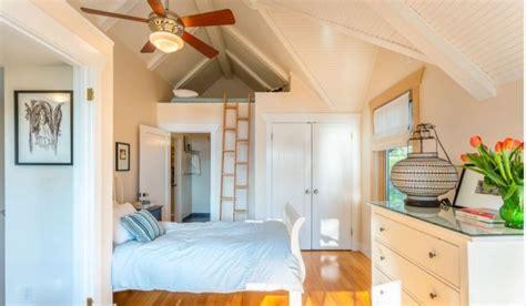deco chambre mezzanine lit mezzanine adulte et aménagement de petits espaces