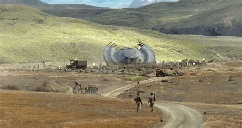 'X-Files' premiere UFO crash - Business Insider