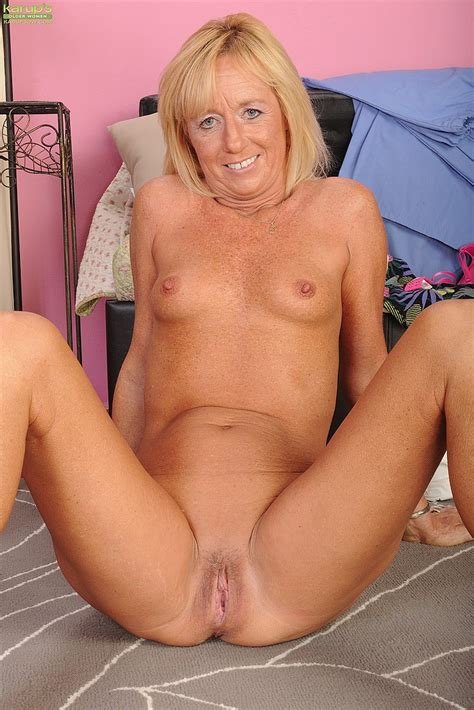 Milf Casey Ivy Get Busy With Her Muff Milf Fox