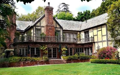 TOP 10 Most Expensive Airbnb Houses to Rent in the USA ...