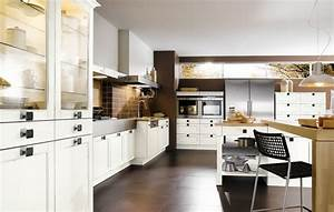 Brown white kitchen design stylehomesnet for White and brown kitchen designs