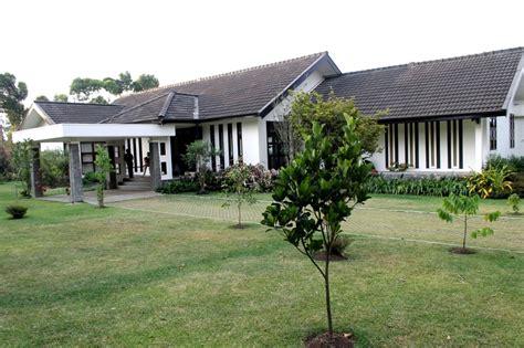 villa dekat farm house lembang bandung rent villa  lembang