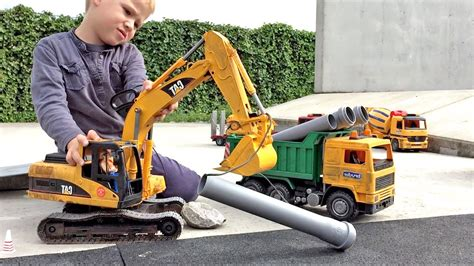 bruder toys cat excavator wow blog