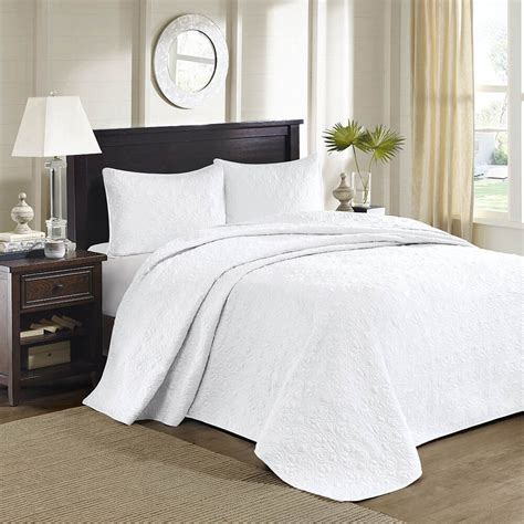Coverlet Set King by Beautiful X Large White Classic Scroll Stitch
