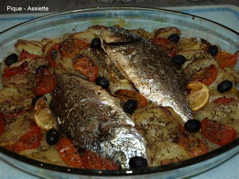 cuisiner une dorade au four daurade au four a la méditerranéenne pique assiette