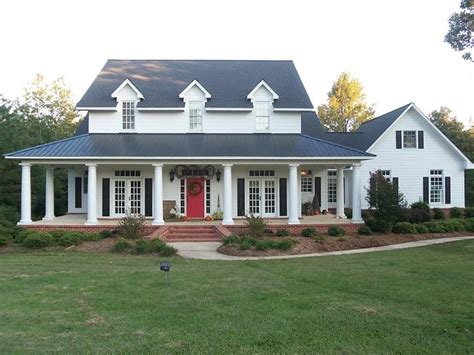 Wrap Around Porch 1000 Images About House Plans On Tiny House Plans Country Farmhouse And Doors