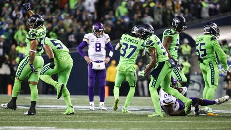 seahawks  vikings  vintage defensive performance