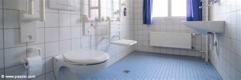 siege baignoire pour personne agee amenagement salle de bain pour personne agee amenagement