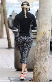 reese witherspoon booty  leggings  gotceleb