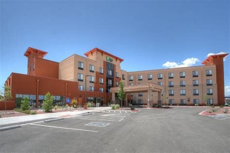 holiday inn express suites albuquerque  town