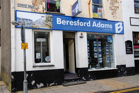 Find Estate Agents Uk Directory Offices Estate Agents Brokers In Pwllheli