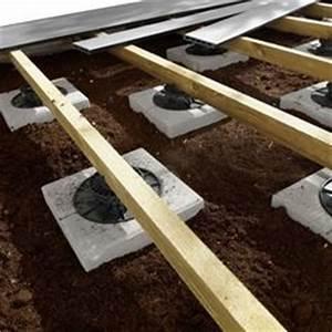 suivez la construction d39une terrasse en bois composite With maison bois sur plots 4 terrasse composite sur ancienne terrasse paves autobloquants