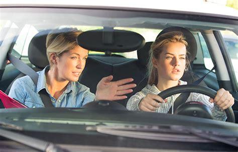 keeping  teen driver safe travelers insurance