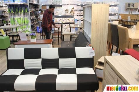 foto intip beragam furniture minimalis  gerai jysk