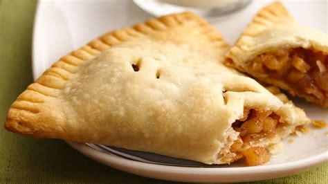 apple desserts apple harvest pockets recipe from pillsbury com