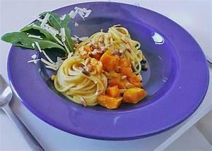Pasta Mit Hokkaido Kürbis : pasta mit k rbis und pinienkernen von haseewald ~ Buech-reservation.com Haus und Dekorationen