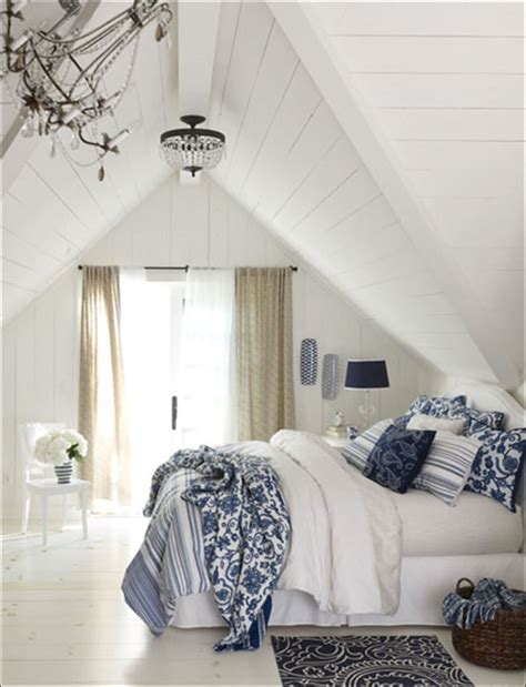 decorating  home  classic blue  white toledo