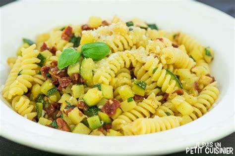 recette de p 226 tes aux courgettes et tomates s 233 ch 233 es