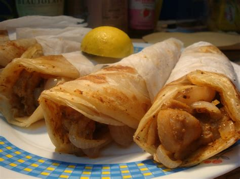 rolls rolls gt what s your roll story calcutta chicken roll recipe