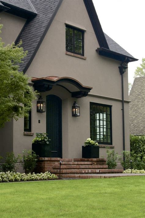 8 sophisticated exterior house colors with black windows