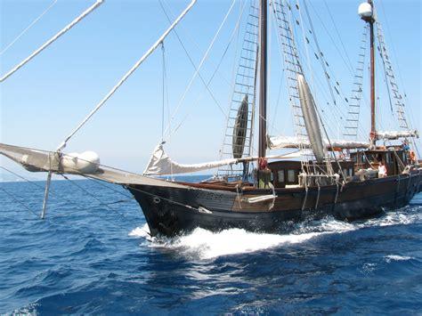 Barco Pirata Lorencillo Ceche by Barco