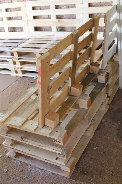 Patio Furniture Made From Pallets by Diy Outdoor Patio Furniture From Pallets