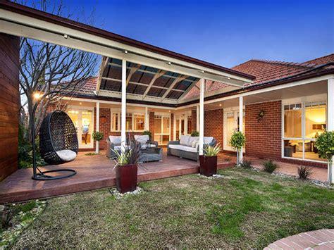 Indooroutdoor Outdoor Living Design With Pergola