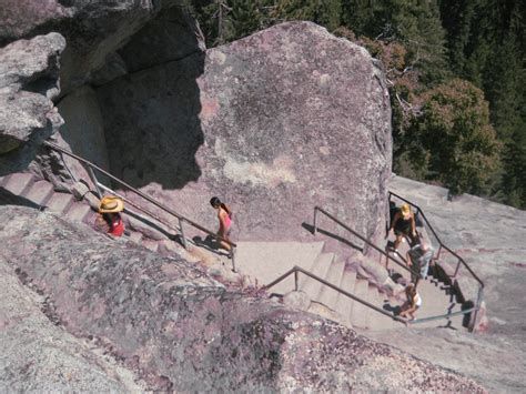 Climbing up Moro Rock – Going California
